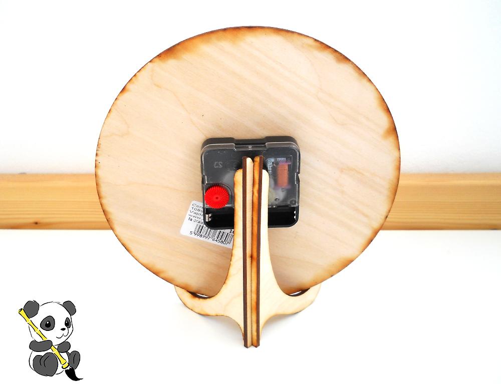 Háromlábú fa falióra tartó állvány